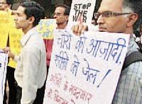 Sudhir Dhawale at Free Binayk Sen Protest in Mumbai