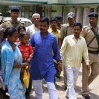 Angry Jeetan Marandi vows to continue stir for poor